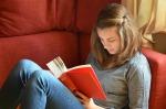 teen reading pixabay